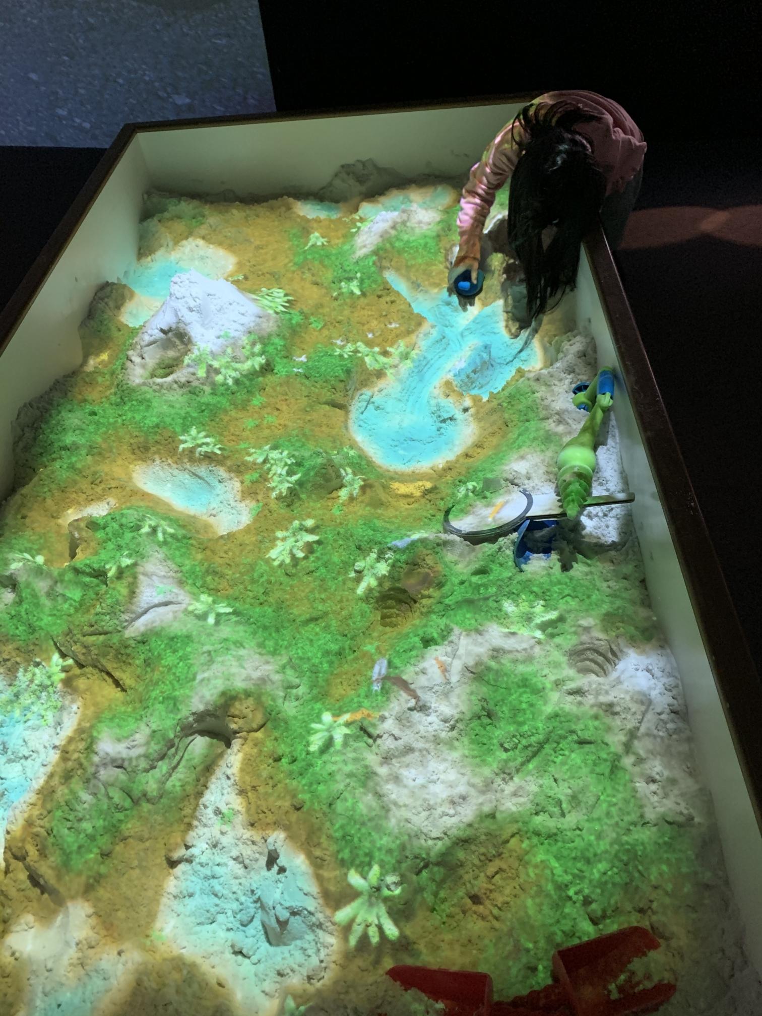 【ららぽーと横浜】リトルプラネットのAR砂遊びで【SAND PARTY!】で穴をほる