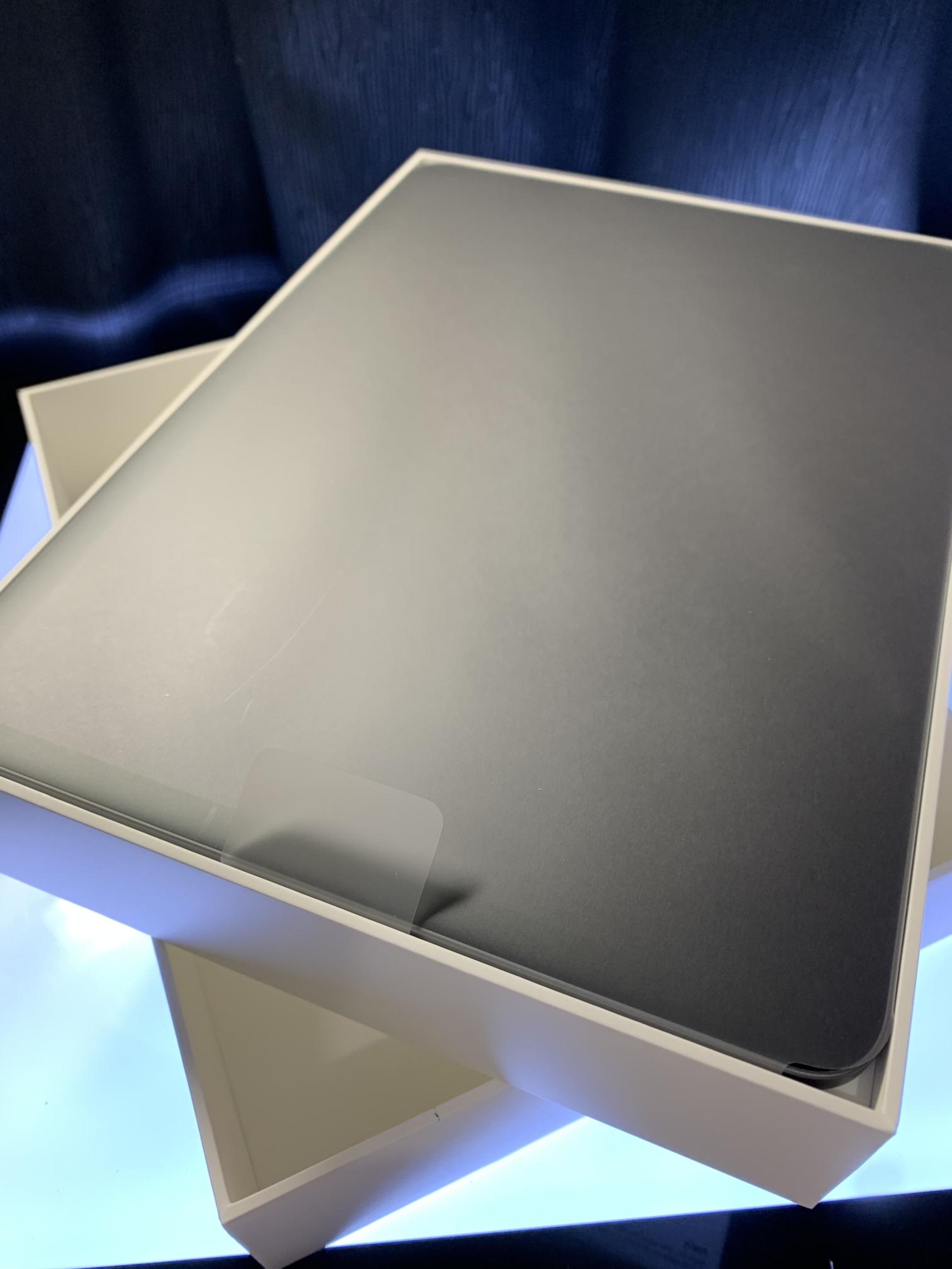 iPad Proのスペースグレイ